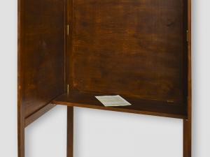 Volební zástěna skládací s pultem ze dřeva masiv výroba lika-2